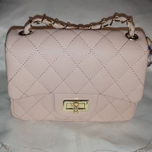 Bags - Beautiful Beige Quilted Purse w/Chain Strap